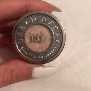 Urban Decay Eye Shadow -Sin
